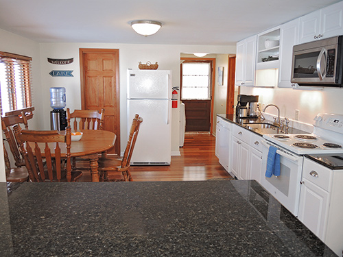 Trout Brook eat-in kitchen