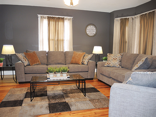 Chestnut Ridge living room