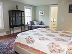 1820 Schoolhouse Farm queen master bedroom