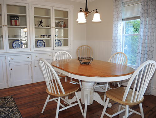Cooperstown Cottage dining room