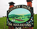 Country Daze welcome sign