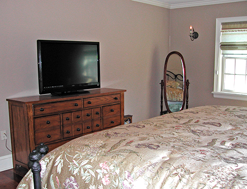 The Guest Cottage bedroom